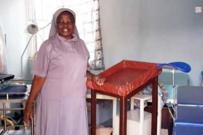 Sr. Eunice, one of the beneficiaries of the Conrad N. Hilton Foundation SLDI Alumnae Signature Grant, received $25,000 to purchase a Cervical Screening machine.